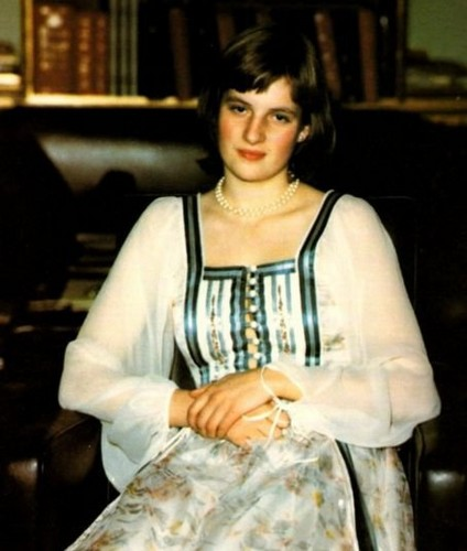 young diana - princess-diana Photo
