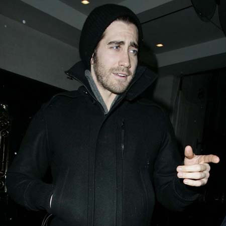 Jake Gyllenhaal wallpaper possibly containing a sweatshirt and an outerwear entitled <3jake<3