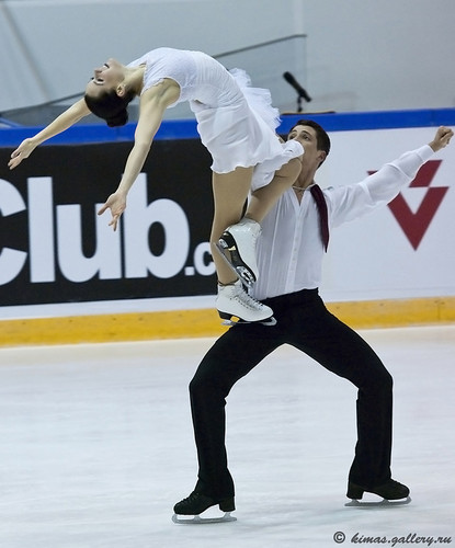 Tessa Virtue & Scott Moir wallpaper entitled 2011, finlandia trophy, funny face, fd