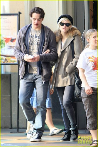 Ashlee Simpson & Vincent Piazza: Cheesecake Couple!
