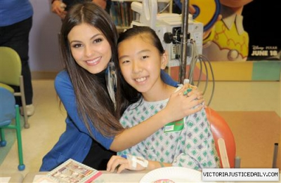 At Children's Hospital of オレンジ Country