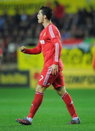 C. Ronaldo (Sevilla - Real Madrid)