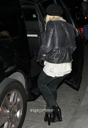Dakota Fanning arrives at LAX, December 15