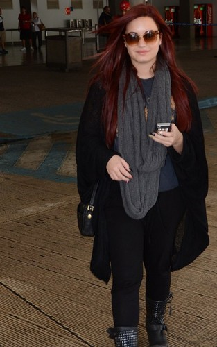 Demi Arrives To Puerto Rica