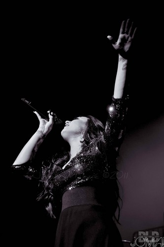 Demi Lovato konser in Puerto Rico (December 16, 2011)