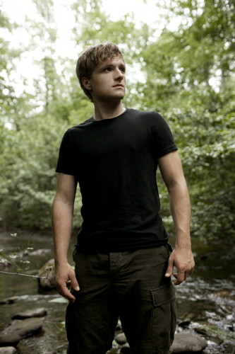 EW photoshoot of Peeta/josh
