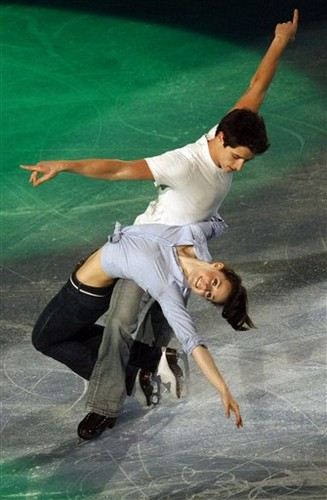 Tessa Virtue & Scott Moir wallpaper entitled Eric Bompard 2009, EX