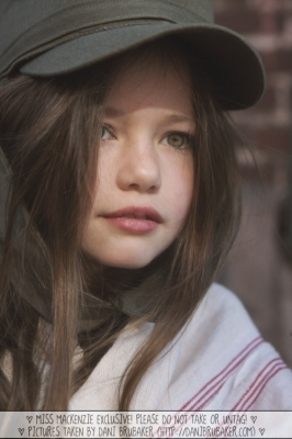 Twilight Series wallpaper entitled Mackenzie Foy