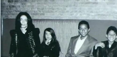 Michael Jackson, Blanket Jackson, Jaafar Jackson and Jermajesty Jackson 2009