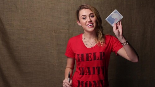 Miley - Help Haiti घर Super Give Away