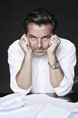 Thomas Anders Hintergrund possibly with a portrait called Mr. Anders