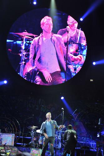 Mylo Xyloto Tour [December 9, 2011]