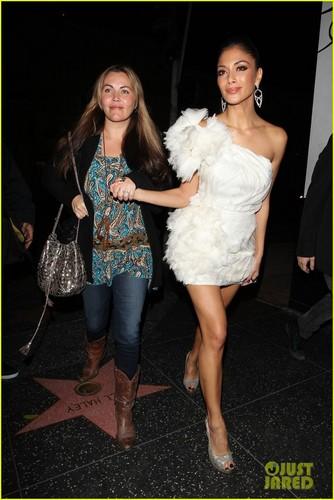 Nicole Scherzinger: Beso Babe!