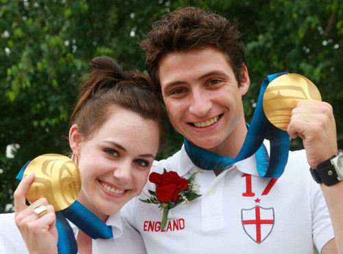 Tessa Virtue & Scott Moir wallpaper entitled Off ice