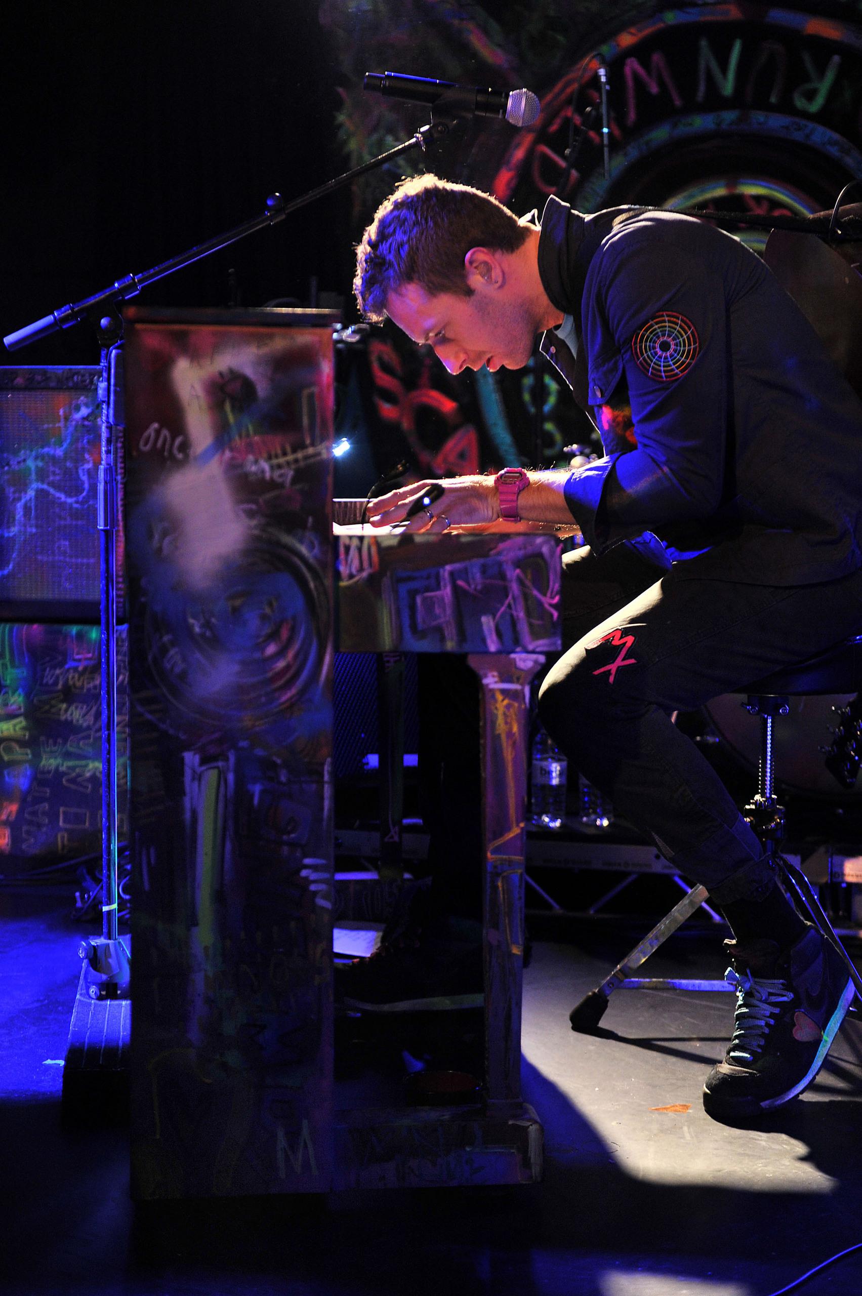 On Stage: BBC Radio 2 [December 6, 2011]