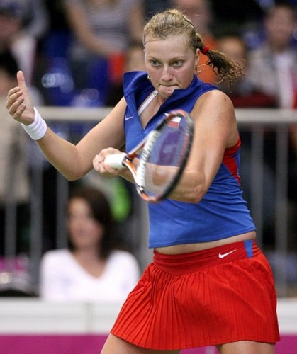 Теннис Обои possibly with a Теннис racket, a Теннис player, and a Теннис pro titled Petra Kvitova hot sexy body