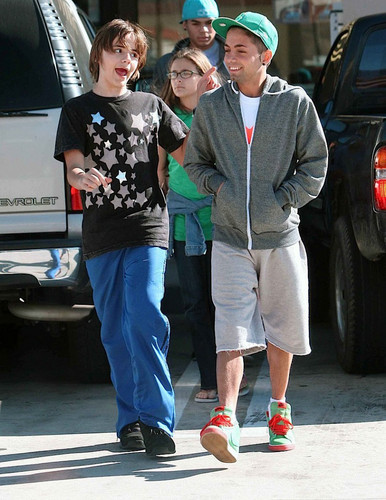 Prince Jackson, Paris Jackson, Randy Jackson Jr and Omer Bhatti 2009