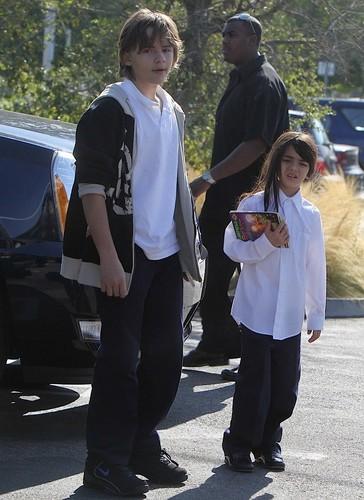 Prince Jackson and Blanket Jackson 2009