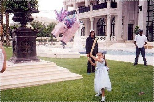 Rare ( Michael Jackson with his kids ) ♥