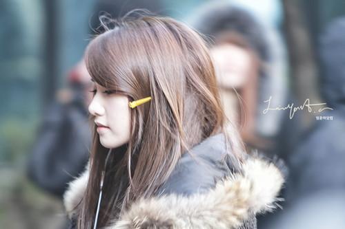 SNSD's Yoona amazing side profil shots