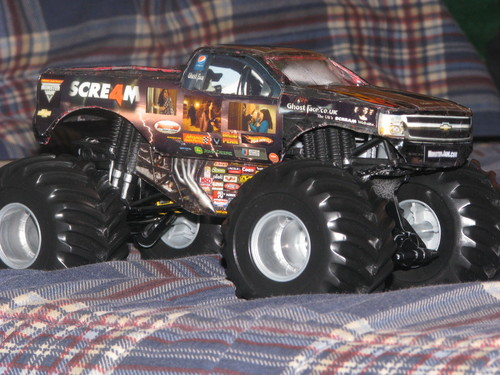 Scre4m monster truck