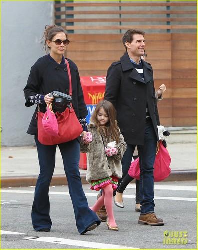 Tom Cruise, Katie Holmes & Suri: Tribeca Trio
