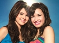 delena - selena-gomez-and-demi-lovato photo