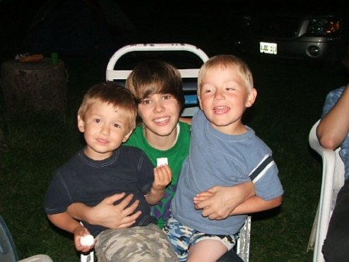 justin with 2 kids
