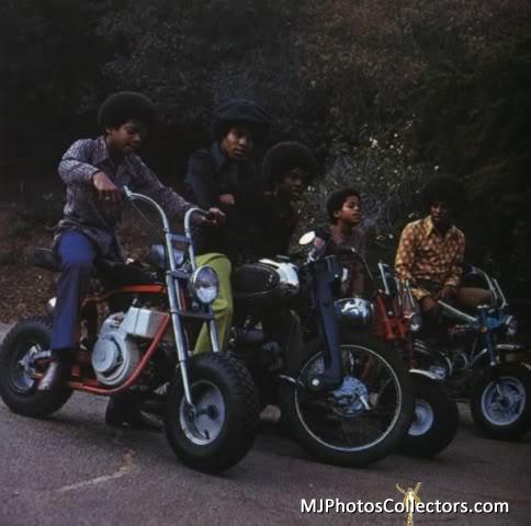 sittin on their bikes