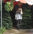 Khloe gets a Christmas tree at the North Pole in Dallas - 20/12/2011
