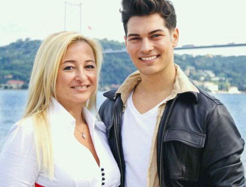 231agatay his lover selin boronkay cağatay ulusoy photo