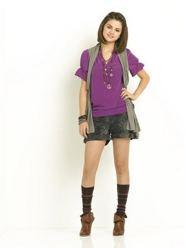 Alex russo on Wizards of Waverly place