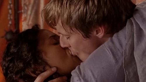 Arthur and Gwen, true loves 키스