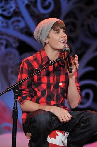 Bieber nyumbani for the Holidays and performs in tamasha