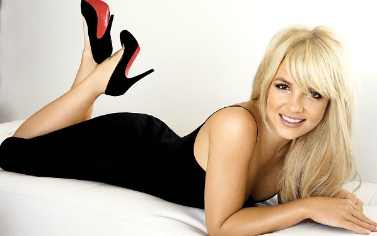 Britney Spears Cute Smile Www Imgarcade Com Online Image