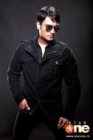 Vivian Dsena wallpaper containing a well dressed person entitled Cool Vivian!!!!!!!!