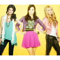 Dem & Sel  - selena-gomez-and-demi-lovato photo