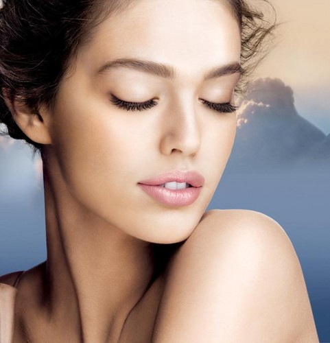Emily DiDonato wallpaper containing a portrait called Emily Didonato_Maybelline Smooth Mousse Campaign