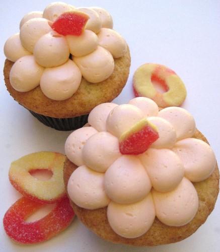 Fuzzy آڑو Cupcakes