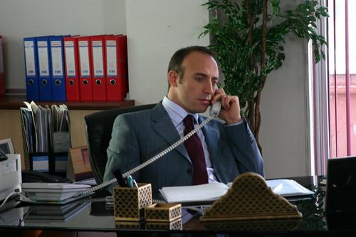 acteurs les plus canons fond d'écran with a business suit entitled Halit Ergenc