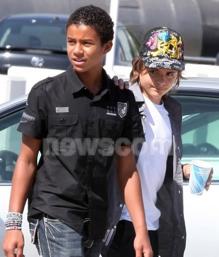 Jaafar and Prince hanging out