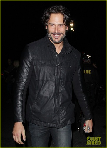 Joe Manganiello: pistole N' rose Concert!