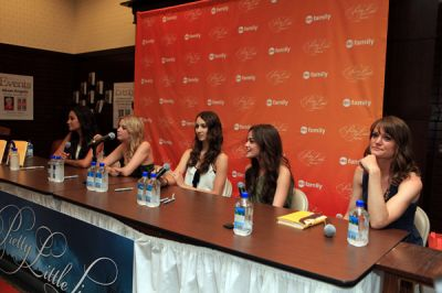 June 5th Pretty Little Liars Book Signing