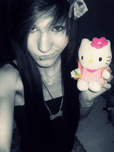 Rika Yuuki & Hello Kitty