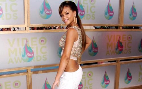 Rihanna wallpaper entitled Riri