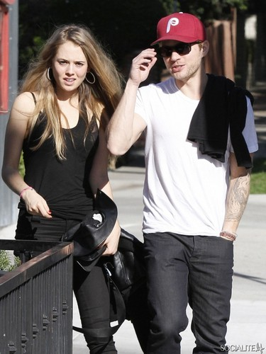 Ryan Phillippe Spotted Leaving Hugo's With A Mystery Blonde