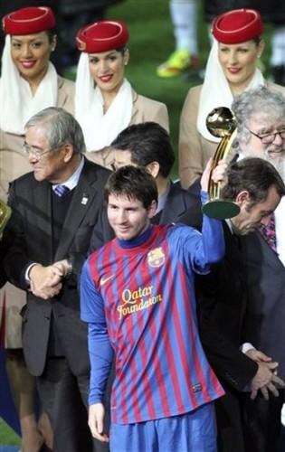 Santos FC (0) v FC Barcelona (4) - FIFA Club World Cup Final: Lionel Messi recieves the Golden Ball