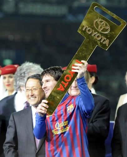 Santos FC (0) v FC Barcelona (4) - FIFA Club World Cup Final: Lionel Messi recieves the Toyota Award