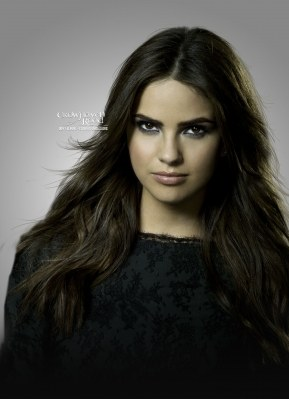 Shelley Hennig for 05.01.2012