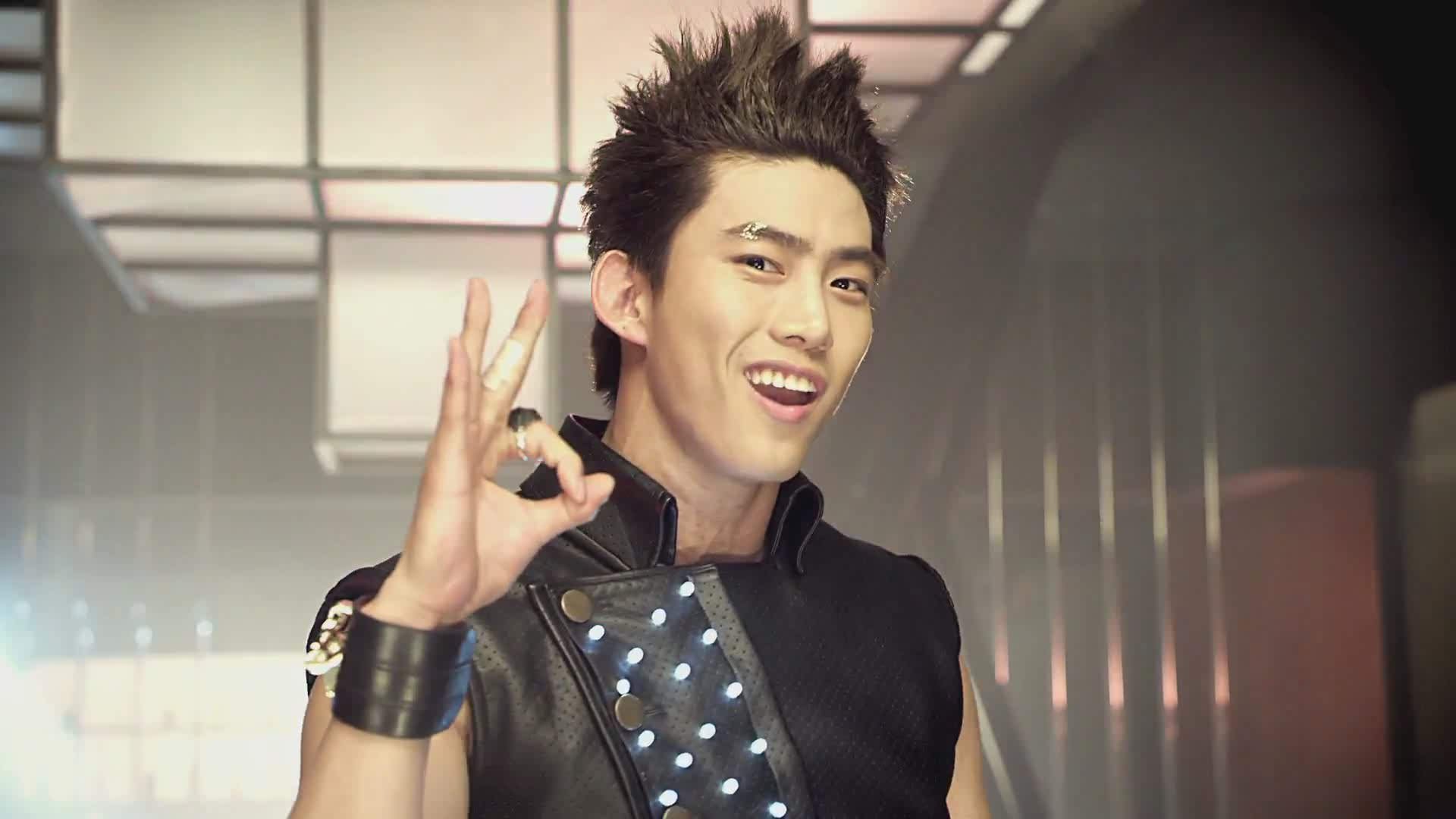 Taecyeon Hands Up MV - taecyeon 2pm Image (27831102) - Fanpop